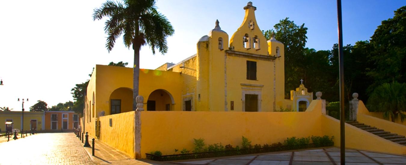traslados-desde-el-aeropuerto-de-cancun-a-merida-yucatan image Slider