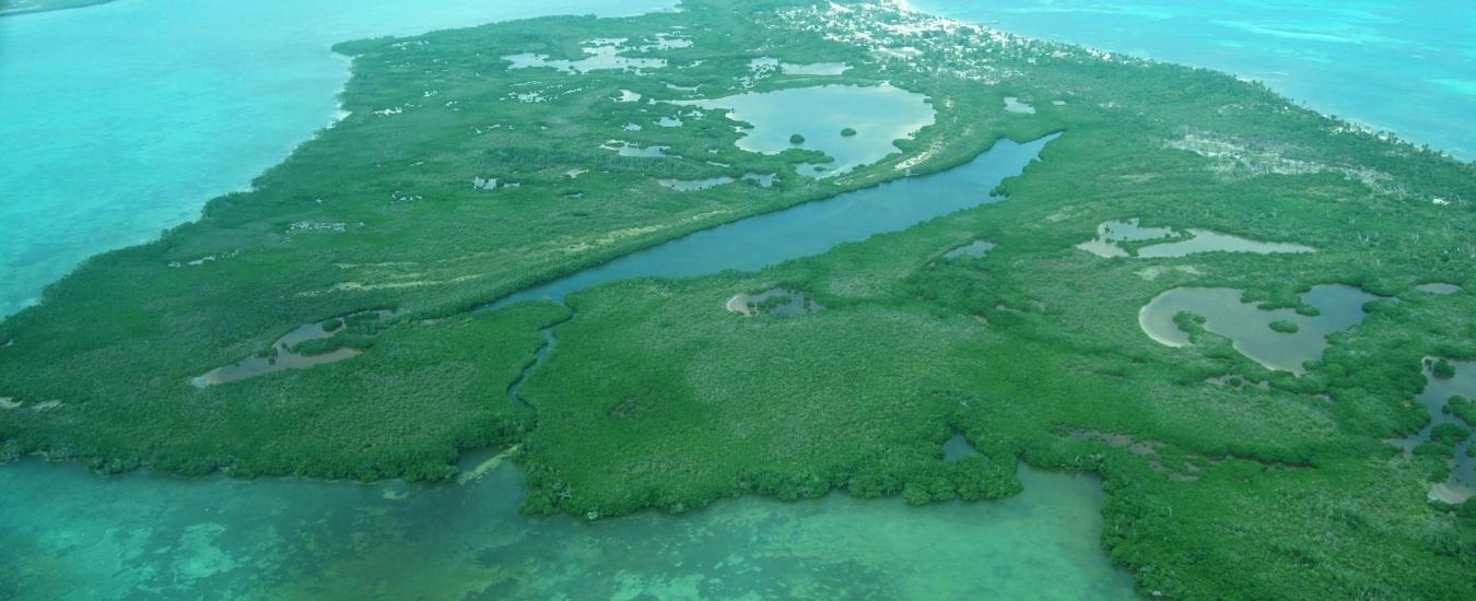 traslados-desde-el-aeropuerto-de-cancun-a-la-biosfera-de-sian-kaan image Slider